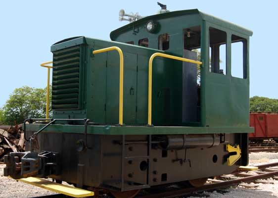 Images of Diesel Locomotive 7750